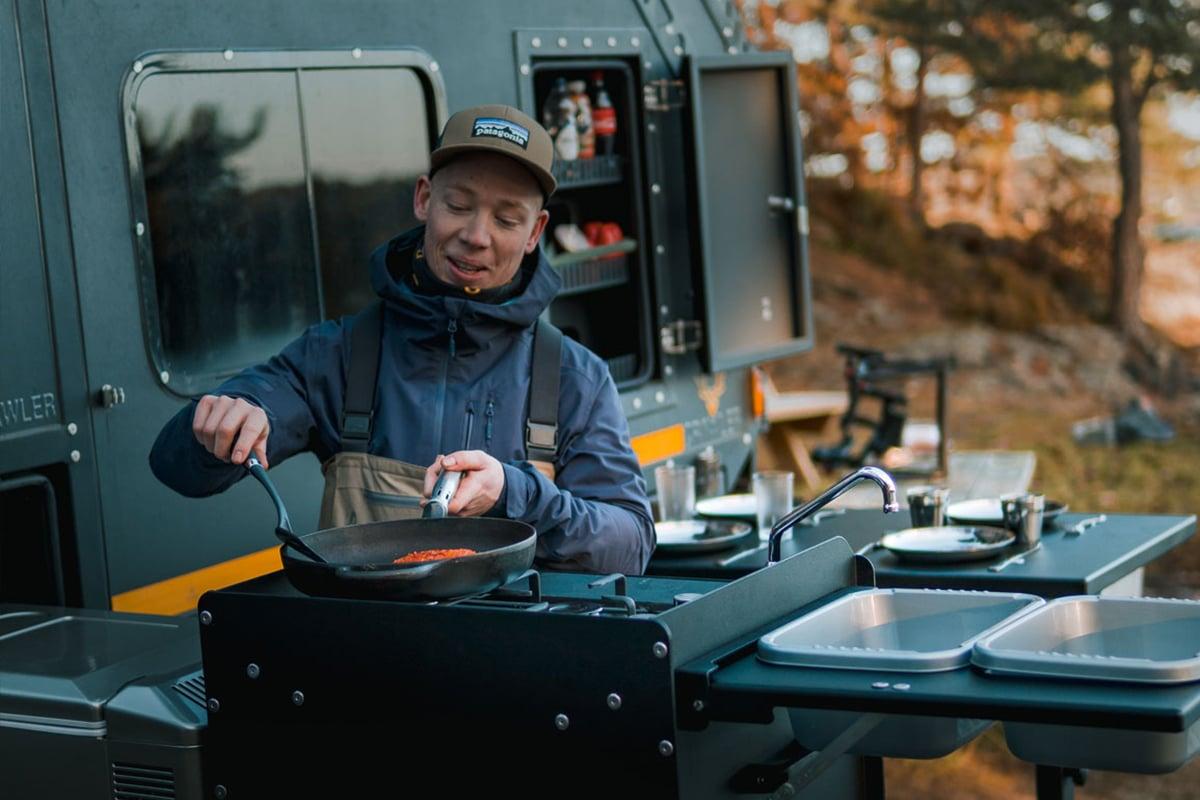Minicaravan Crawler TRC 428 kitchen