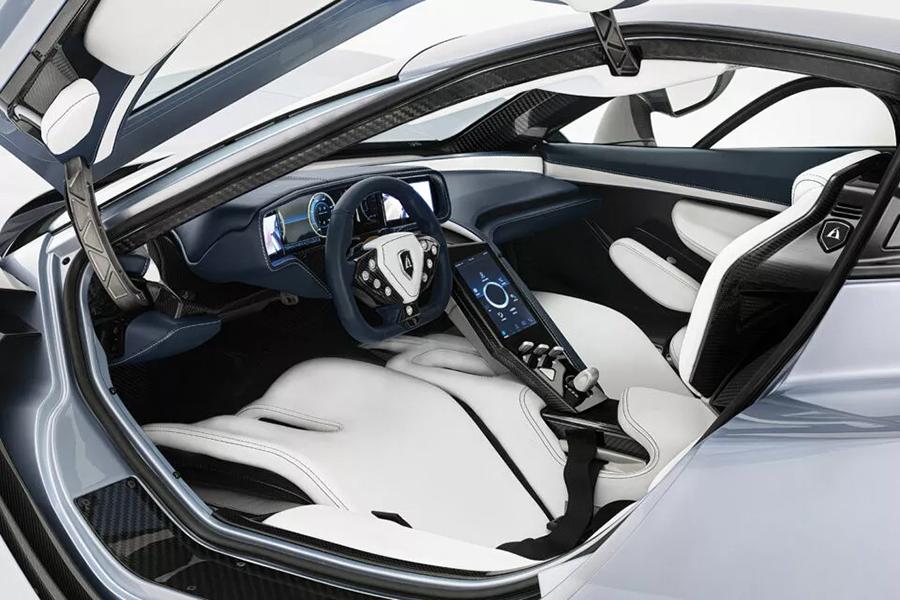 Hampir 2.000 tenaga kuda mobil di dashboard produksi