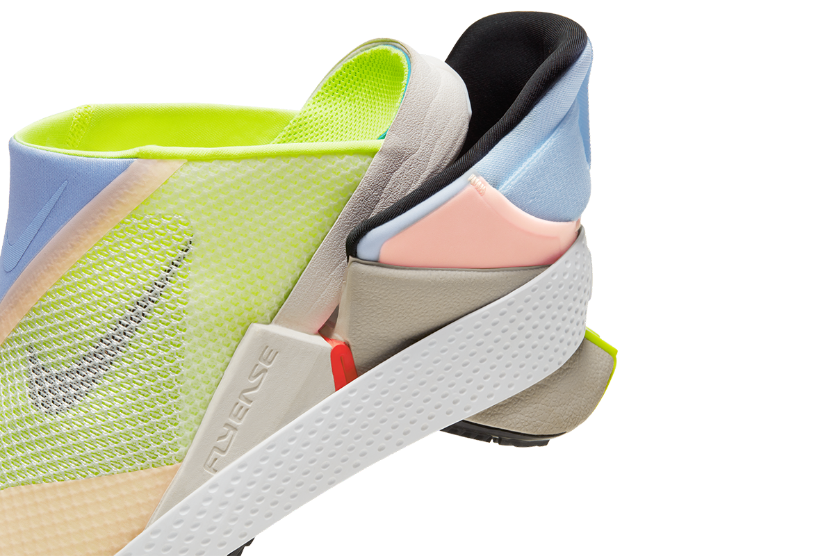 Sepatu Hak Tensioner Nike GO FlyEase