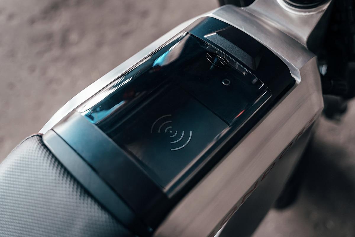 Sondors Metacycle charging station