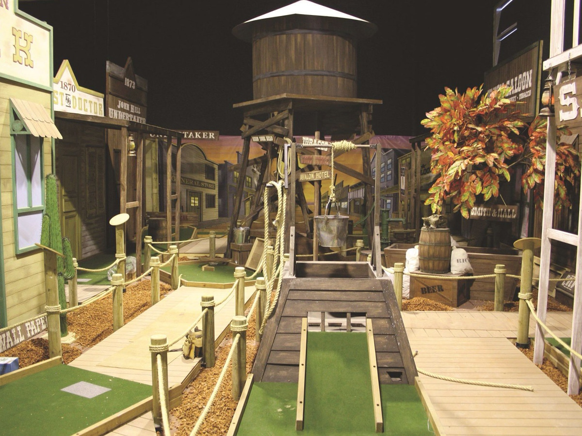 mega mini golf interior