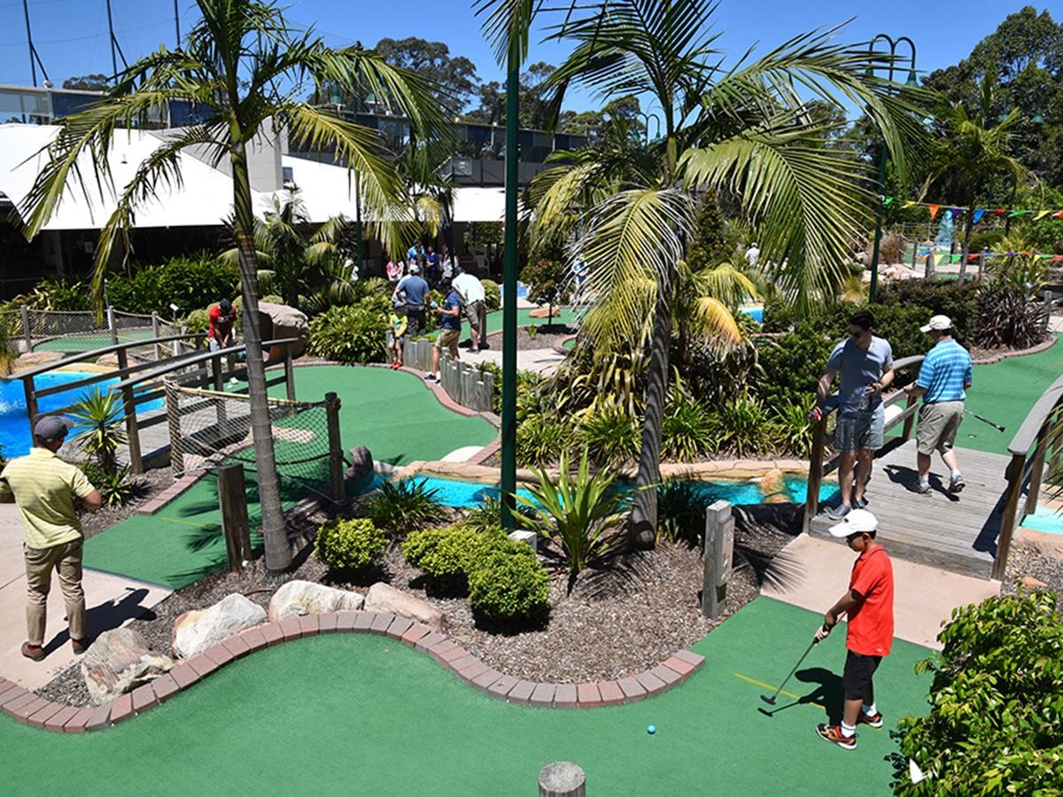 thornleigh mini golf course