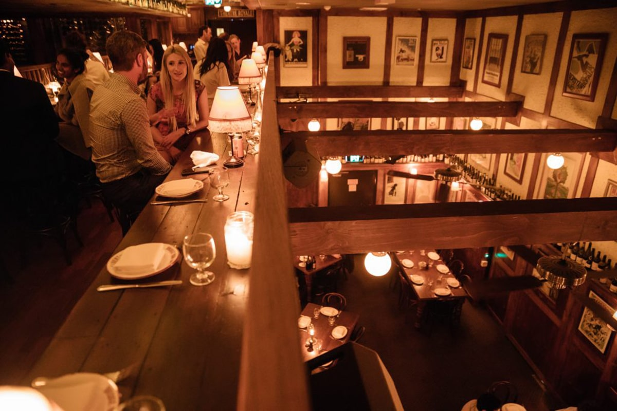 restaurant hubert interior