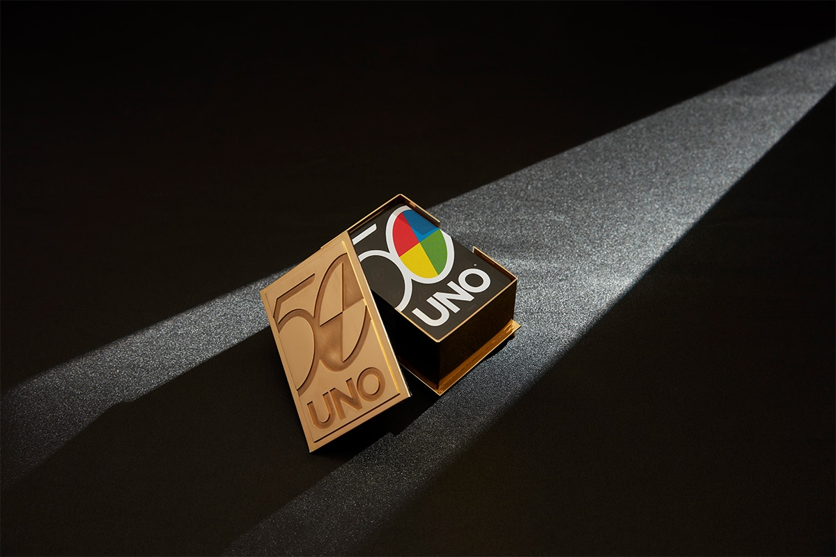 22ct gold uno card holder 1