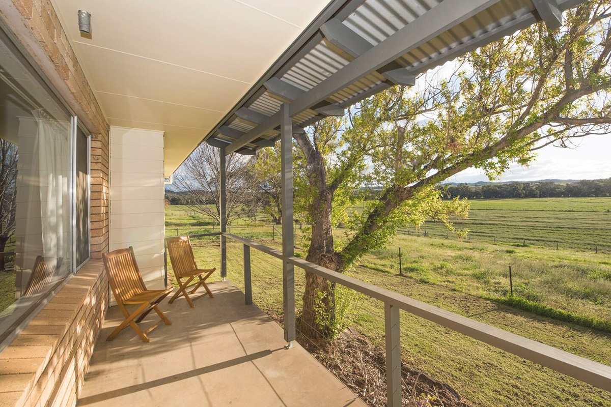 beaudesert cottage outdoors