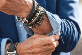 5 ways to look wealthy with mens jewellery