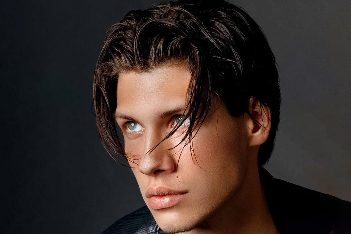 men's middle part Slicked Eboy haircut