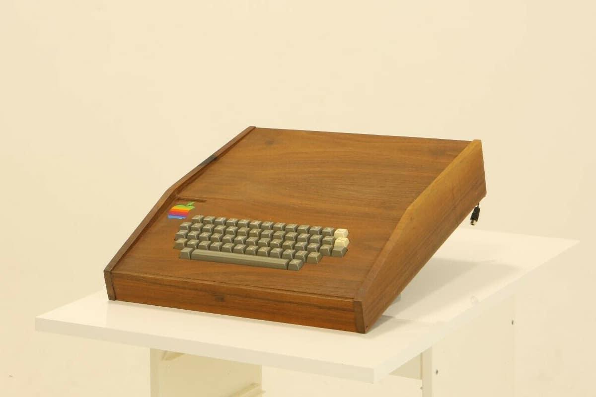 Original Apple Computer for $1.5 Million keyboard