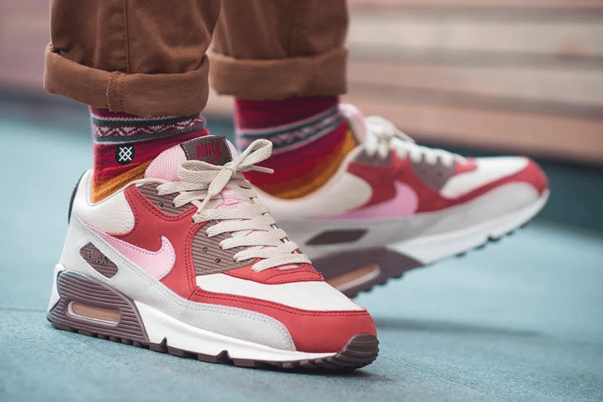 AM90 Bacon on foot
