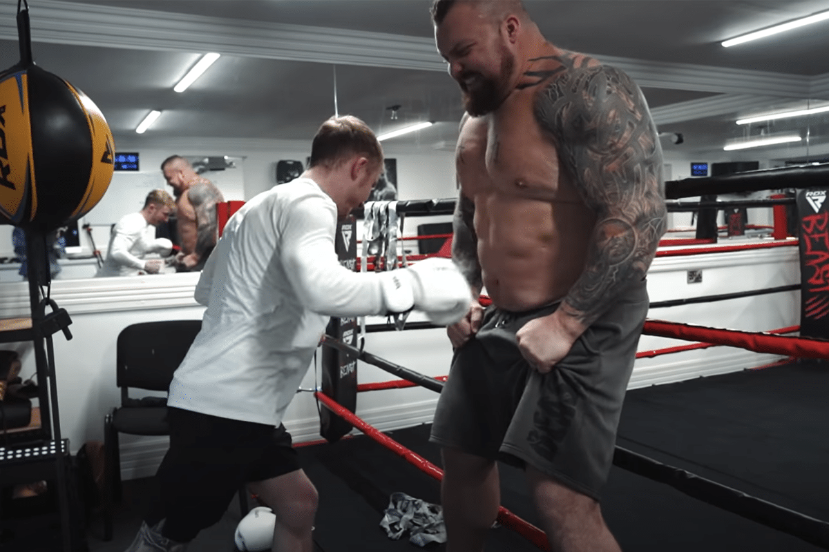 nile wilson punches the beast