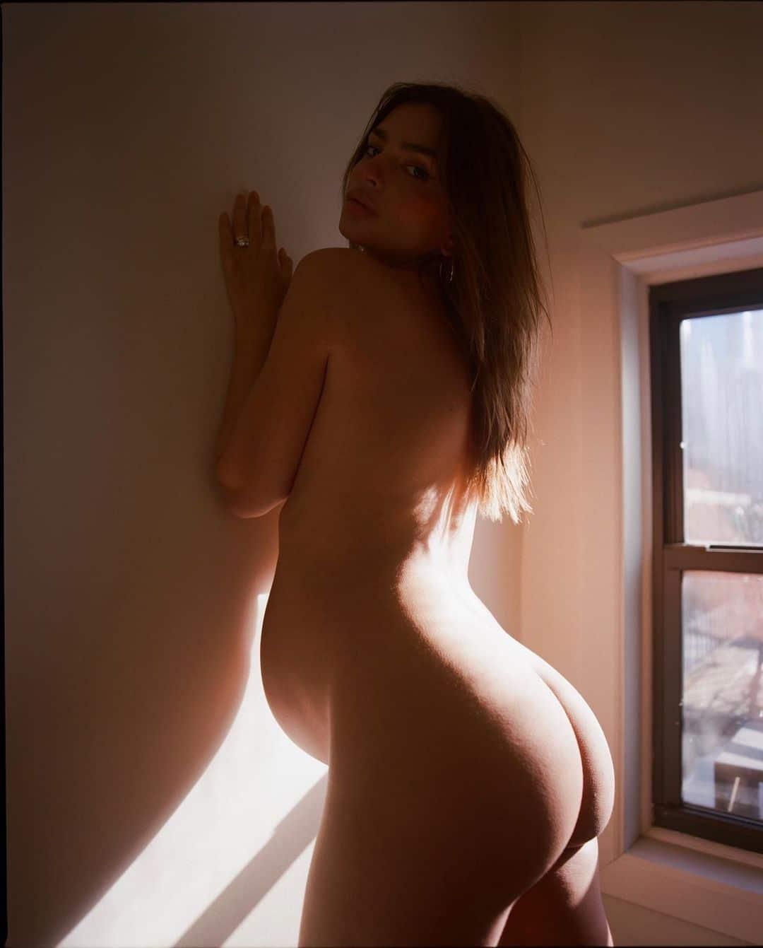 Emily Ratajkowski Nude Pregnant in Window