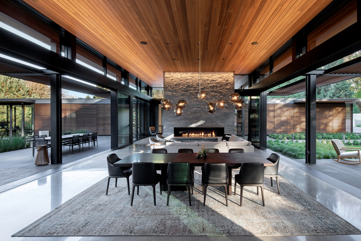 Glass link house 8