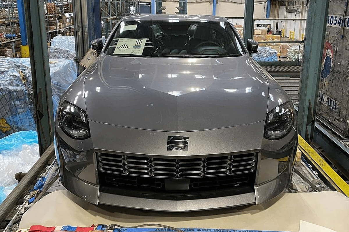 Nissan 400z leak front end