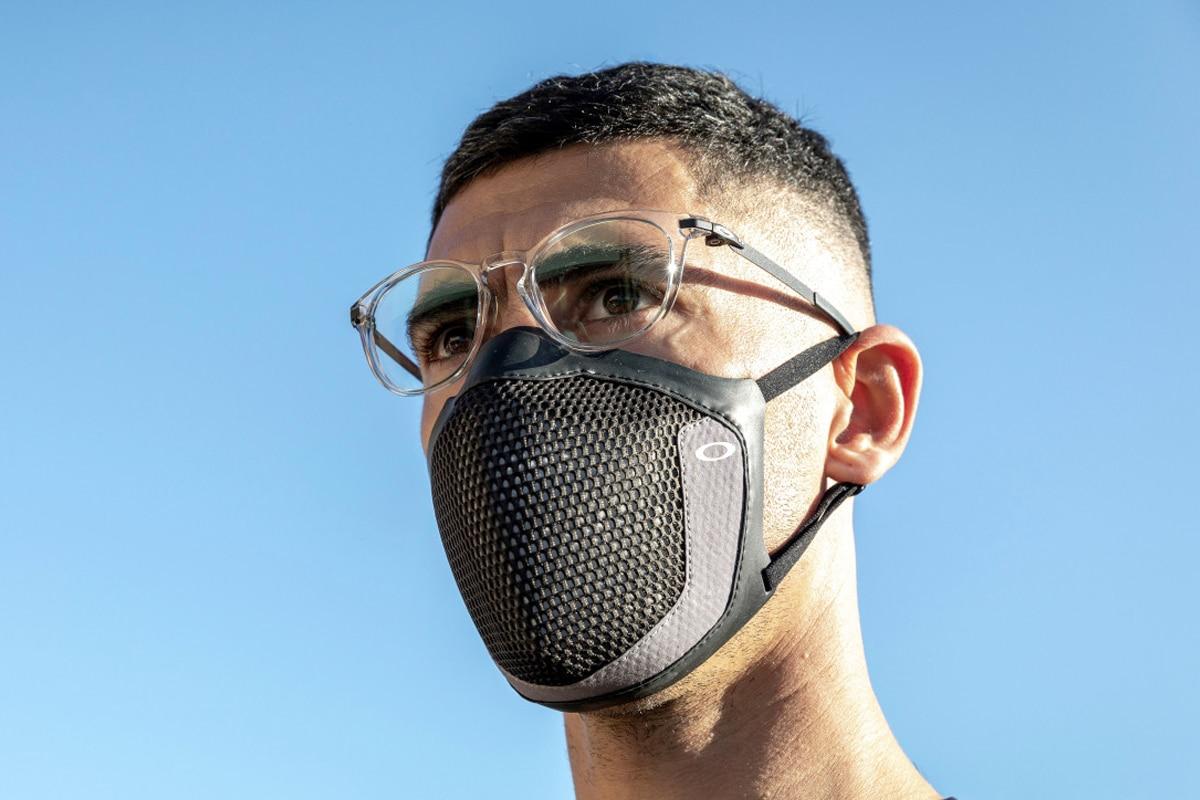 oakley msk3 face mask 2