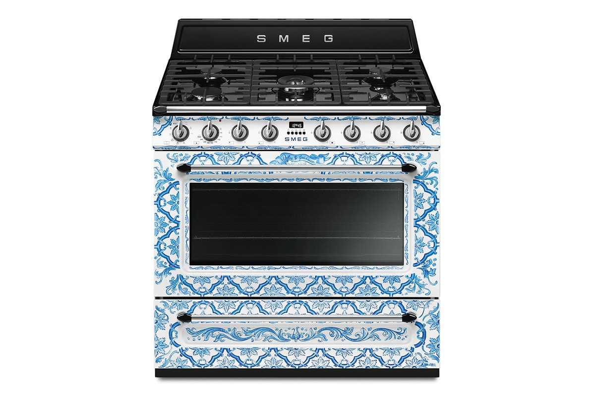 Smeg x dolce and gabbana divina cucina collection 10