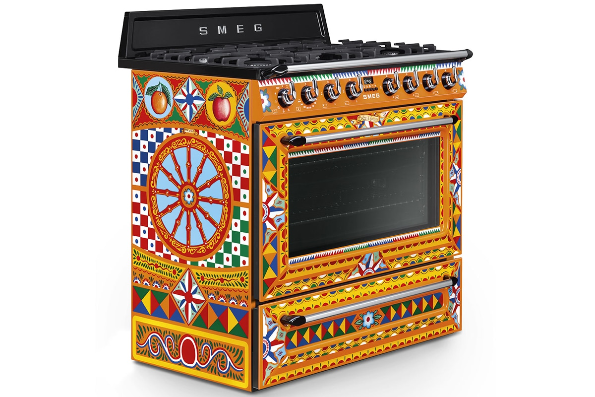 Smeg x dolce and gabbana divina cucina collection 9