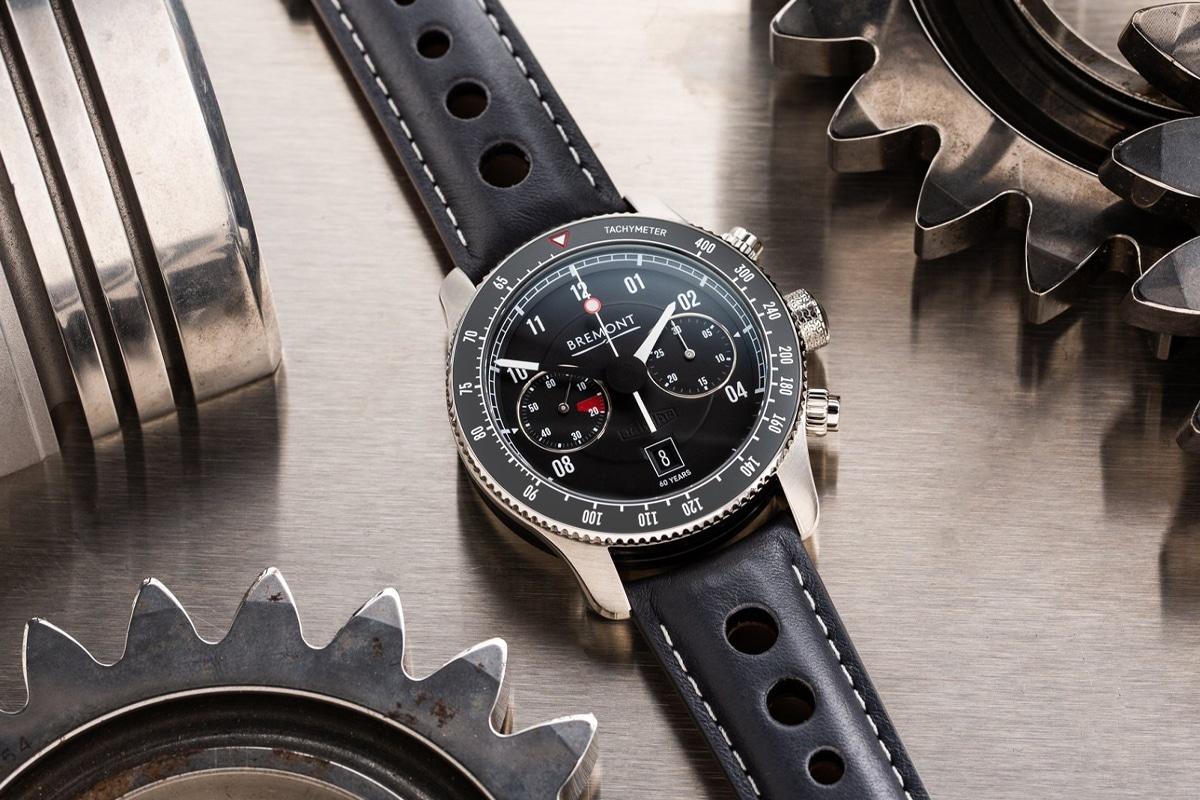 1 bremont x jaguar e type 60th watch set