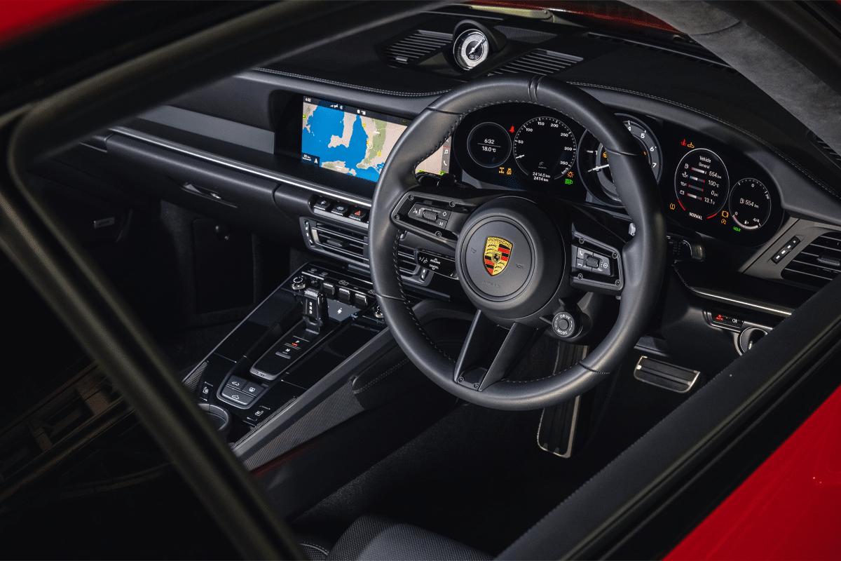 2021 911 turbo interior 2