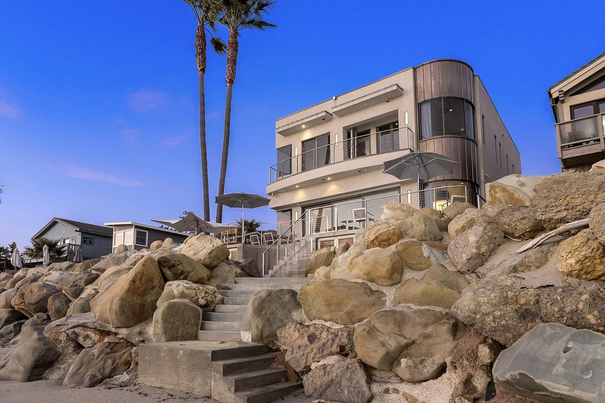 Bryan cranstons three palms house 3