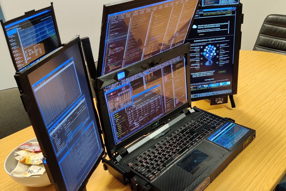 Expanscape aurora 7 screen laptop 1