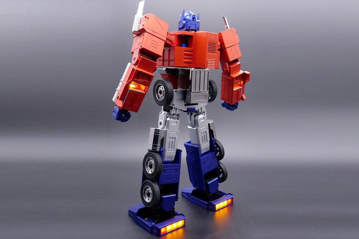 Hasbro self transforming optimus prime 3