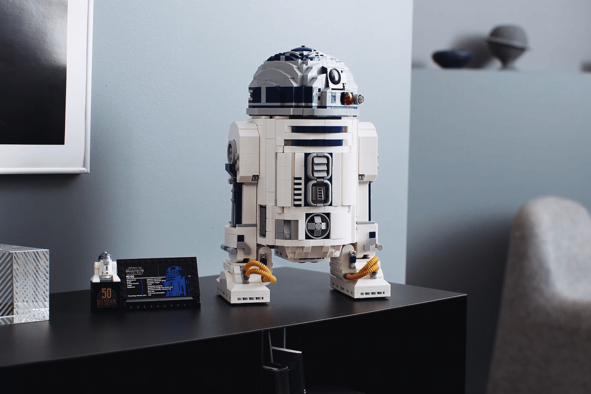 Lego r2d2 feature 2