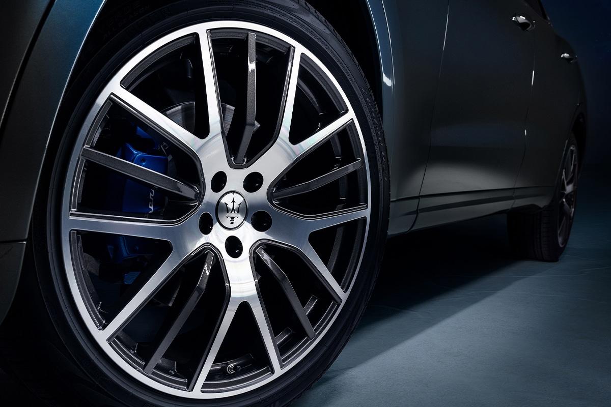 Maserati levante hybrid 7