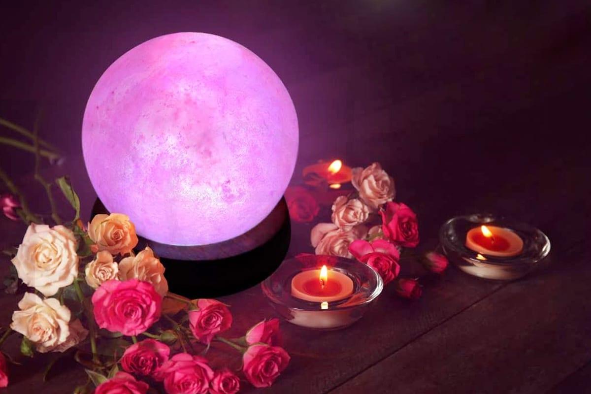 Round himalayan salt lamp