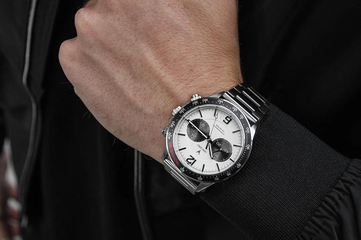 Vincero apex silver watch on wrist
