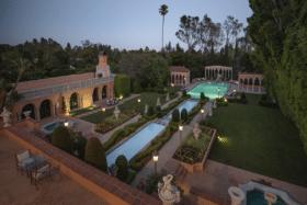 Pool and garden ofWilliam Randolph Hearst's LA mansion