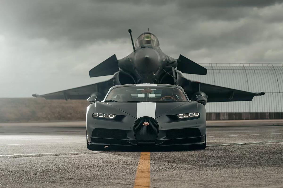 1 bugatti chiron fighter jet race