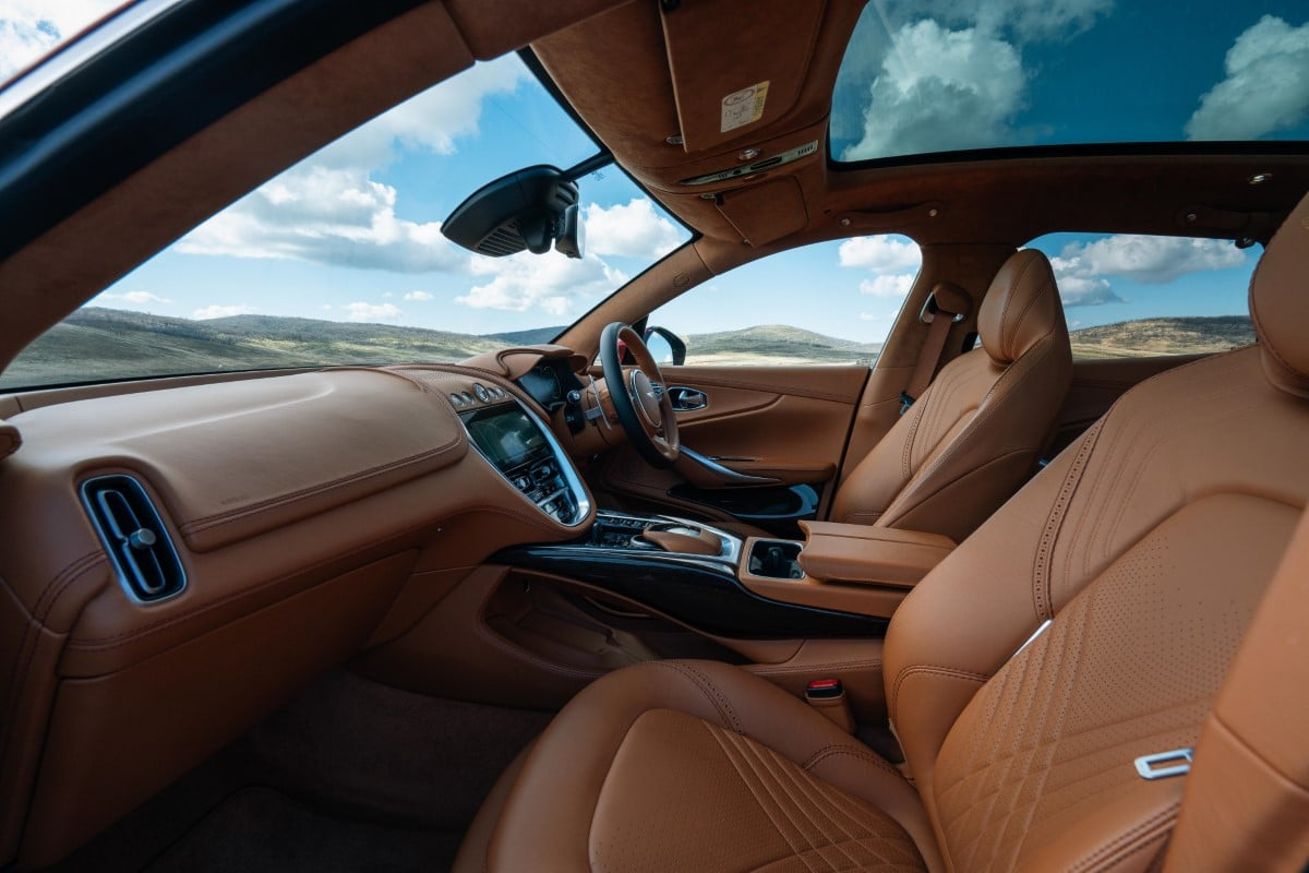 Aston dbx 56