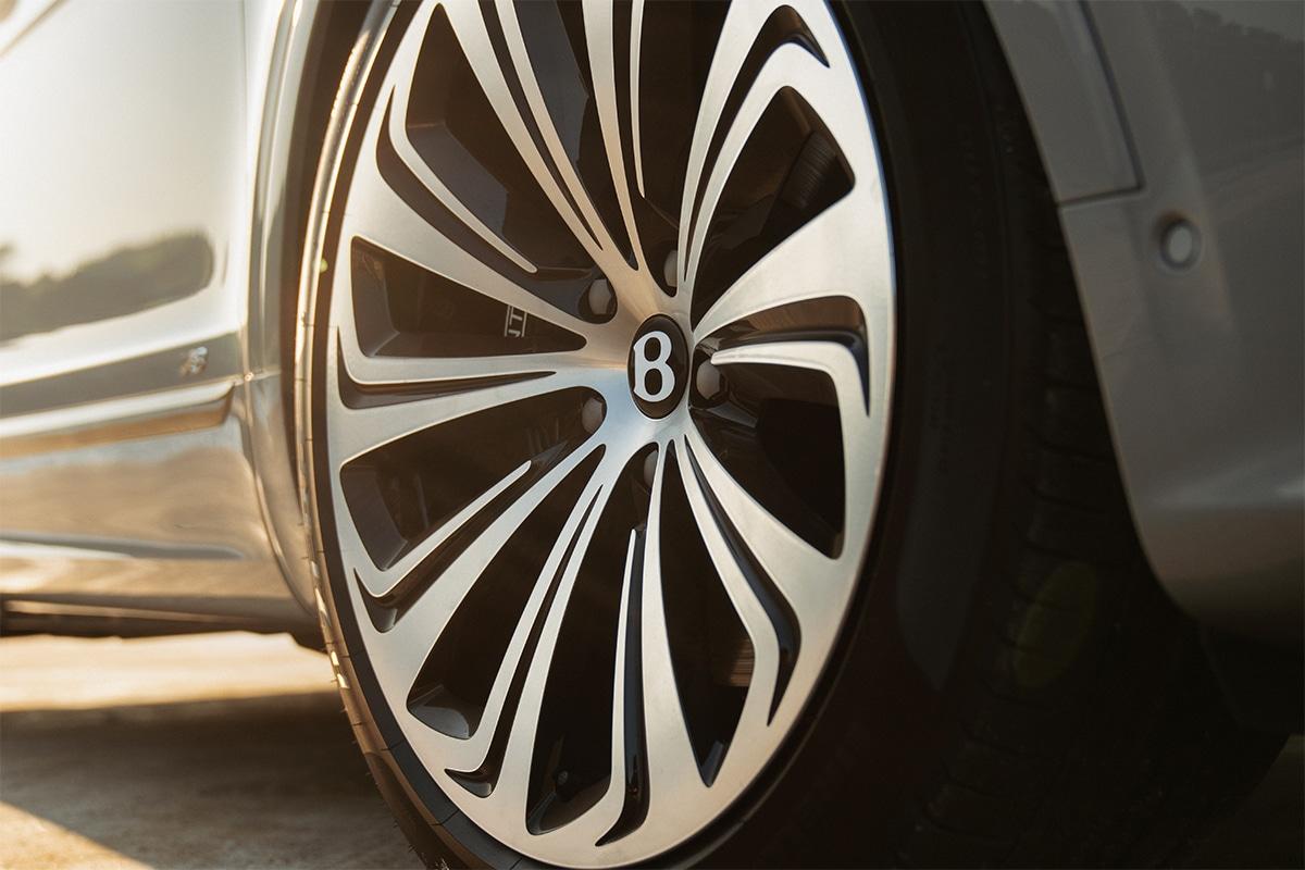 Bentley bentayga new 6