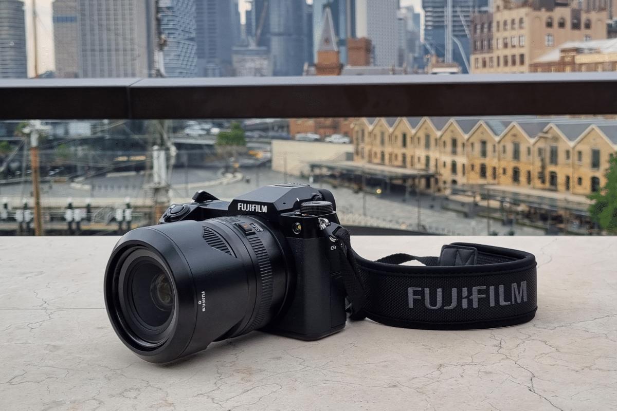 Fujifilm gfx100s hand on