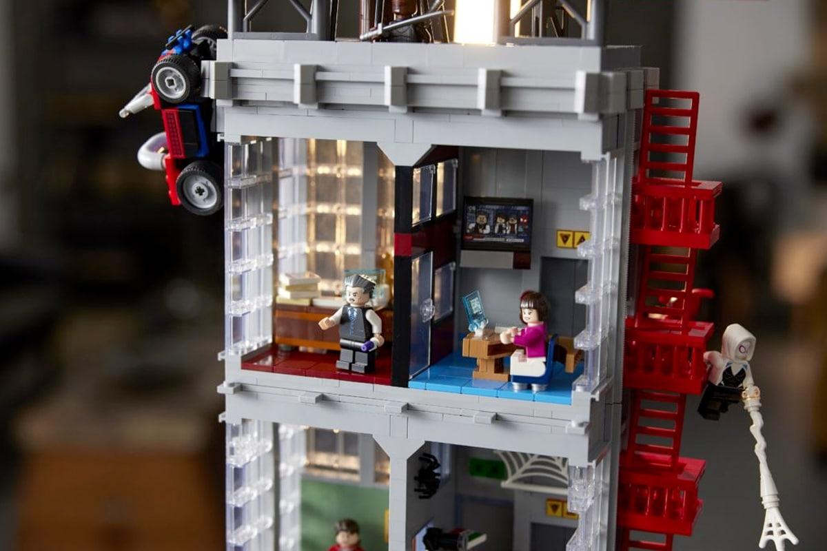 Lego daily bugle 6