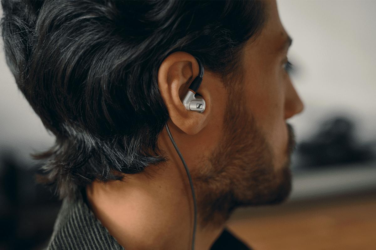 Sennheiser ie 900 audiophile earphones feature image 2