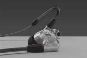 Sennheiser ie 900 audiophile earphones feature image 3