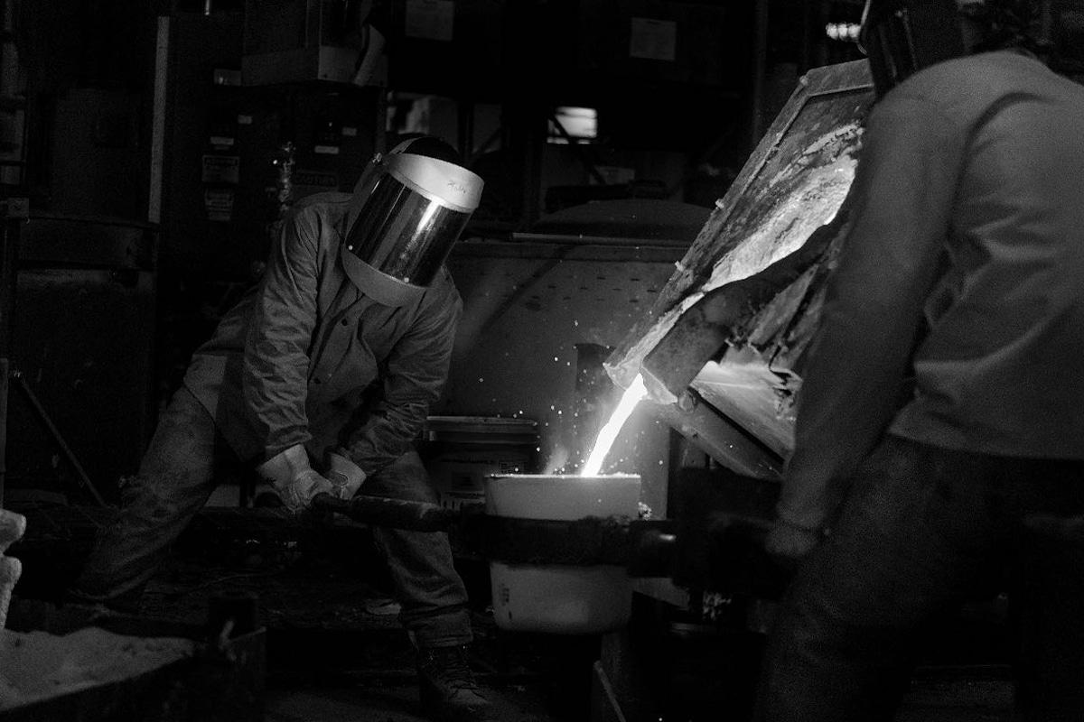 100 000 cast iron pan