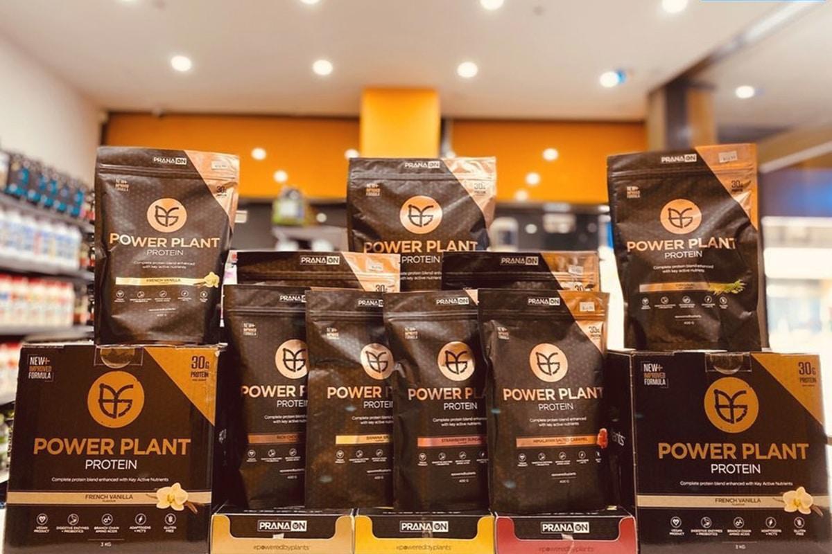 super nutrition supplement store interior