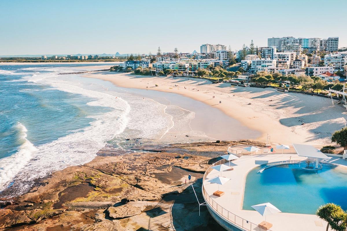kings beach caloundra lookout