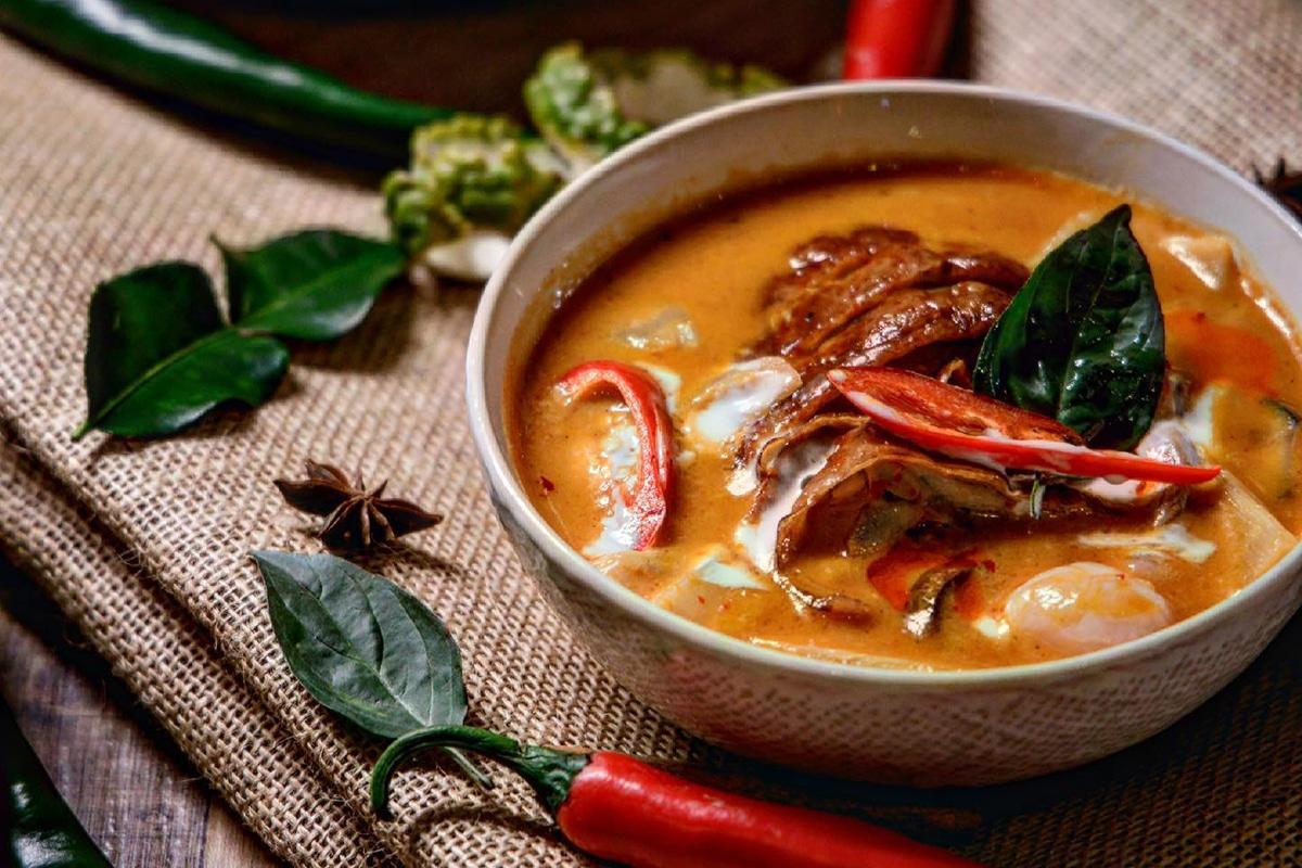 dodee paidang restaurant meal