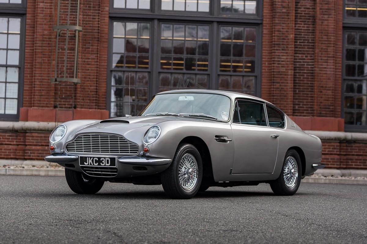 1965 Aston Martin DB6 (vantage volante)