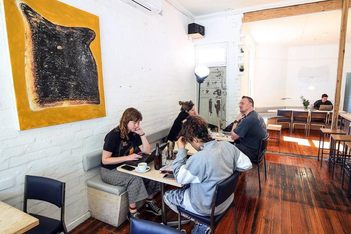 rat the cafe Sandwich Shop interior