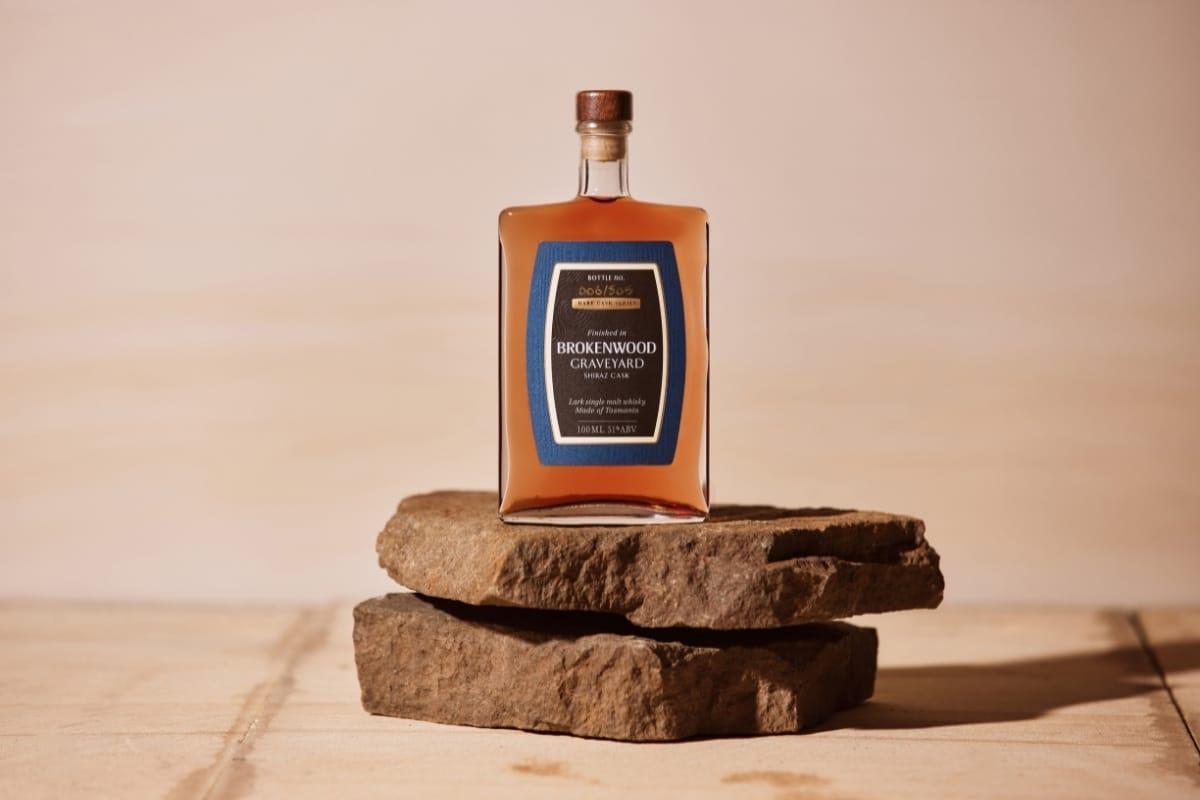 Lark 100ml whisky