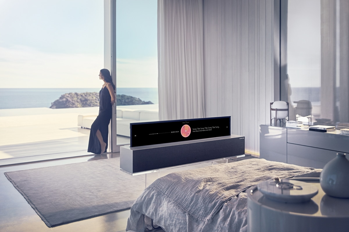 Lg r1 rollable tv 3