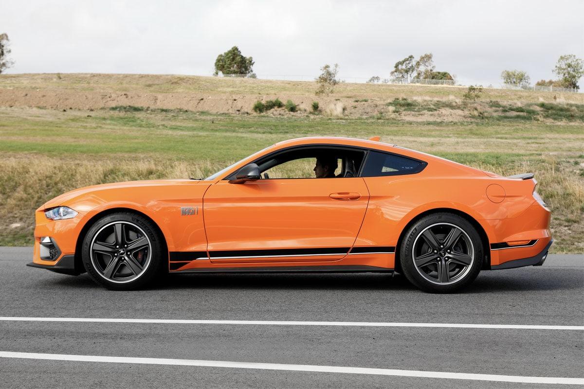 Mustang mach 1 2