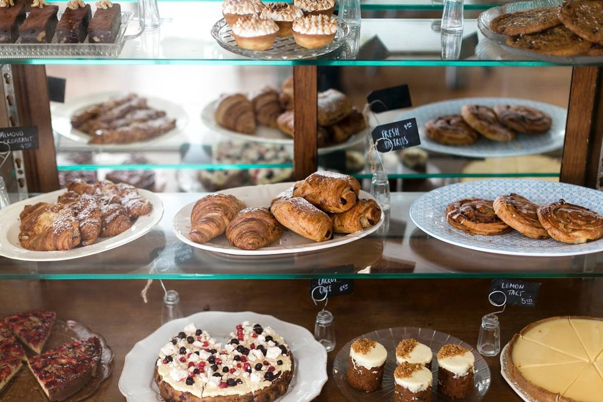 the pig and pastry showcase