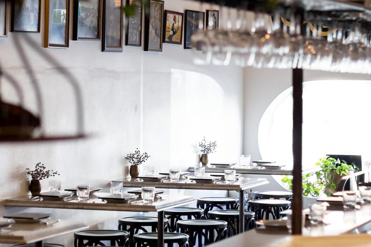 stanbuli turkish restaurant interior