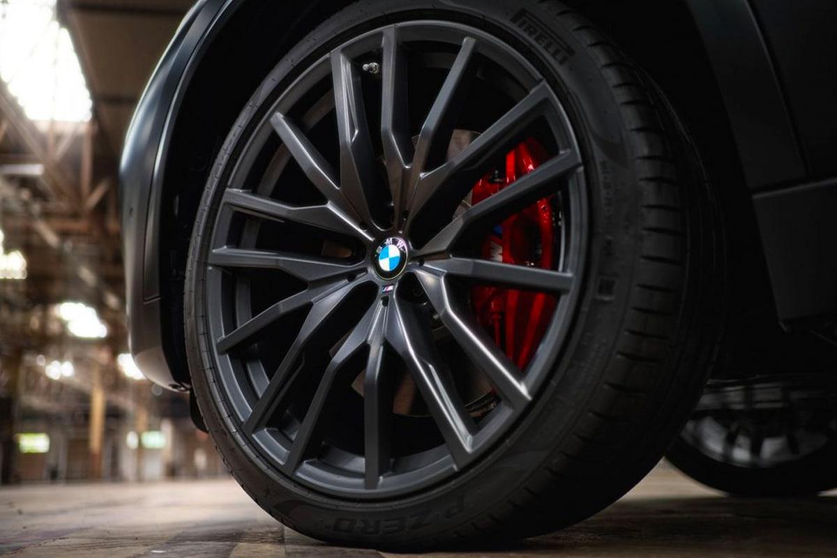 4 2022 bmw x5 black vermilion edition