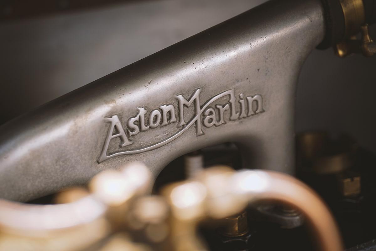 Aston martin vantage roadster a3 1